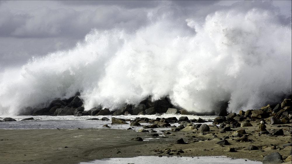 Morro Jetty Wave 1.jpg