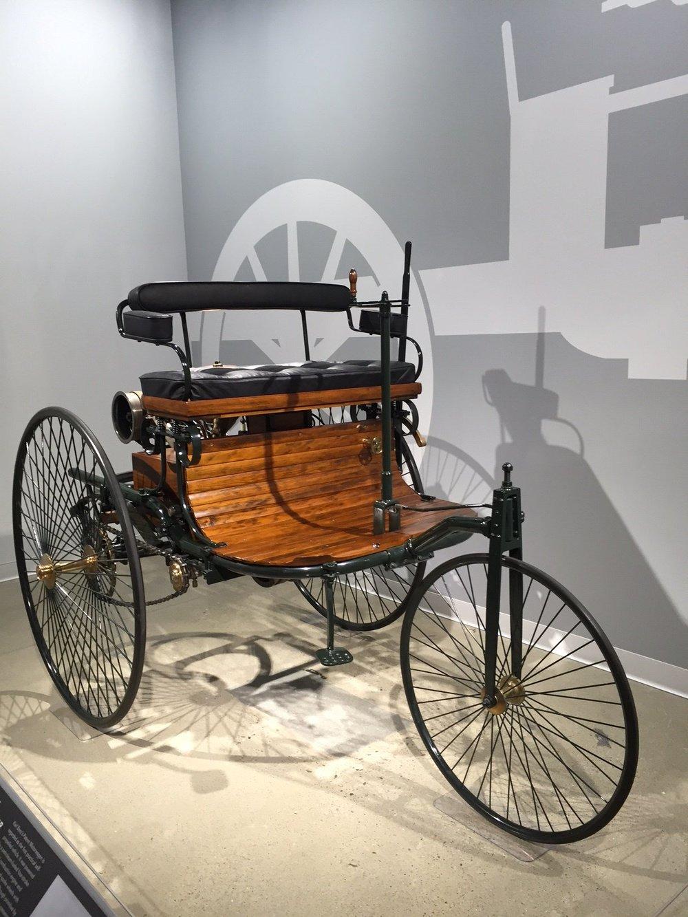 1886 Benz Patent Motorwagan Replcica 1.jpg