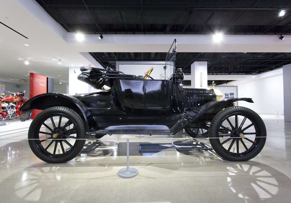 1915 Ford Model T Runabout 1.jpg