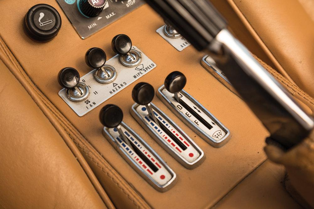 1982 Ferrari 308 GTSi Magnum PI 4.jpg