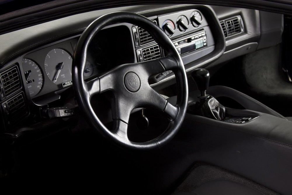 1992 Jaguar XJ220 4.jpg
