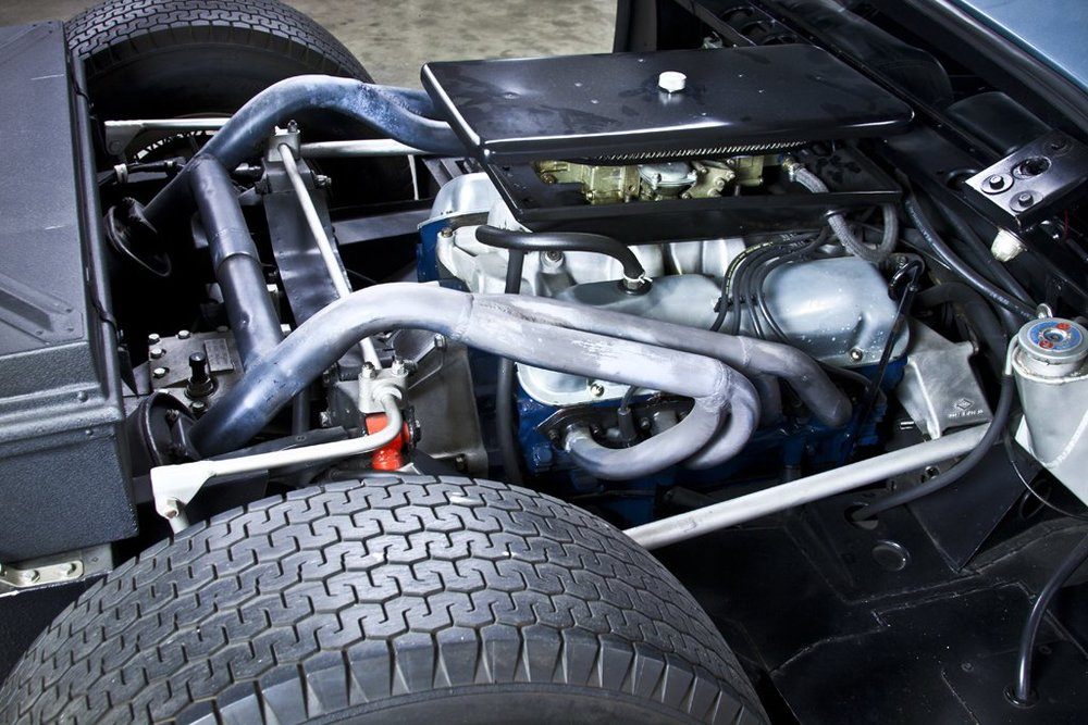 1967 Ford GT40 Mark III 5.jpg