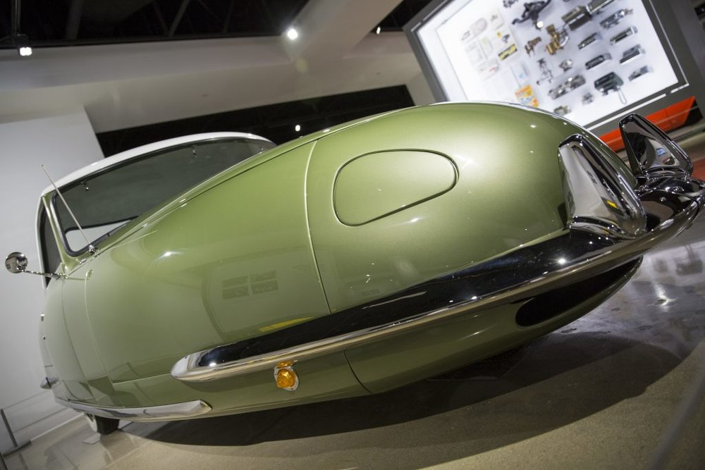 After World War 2, Los Angeles based entrepreneur, Gary Davis, was determined to capitalize on the post-war economic boom with his vision of a futuristic roadster based on the design of Indy car legend Frank Kurtis. Divan had an interesting list of requirements for his car such as: 4 abreast seating, fully concealed retractable headlights, three wheels, and built in jacks. The three wheels were intended to give the car a tight turning radius for maneuvering narrow city streets.  The story of the Davis Divan did not end well. In 1948, Gary Davis had traveled across the USA with his prototype to sell the idea to dealerships. After securing 1.2 million dollars in pre orders and investment, Divan rushed to get his car into production. Large amounts of money were spent on machinery and employees were hired to work in 72 hour shifts. In early 1949, investors were eager to see a return and dealerships were waiting for their orders. By the end of 1949, Divan was embroiled in several lawsuits alleging fraud and embezzlement. The assets of The Davis Motor Company were liquidated to pay off debts and Gary Davis was sent to a work camp in Castaic, California.