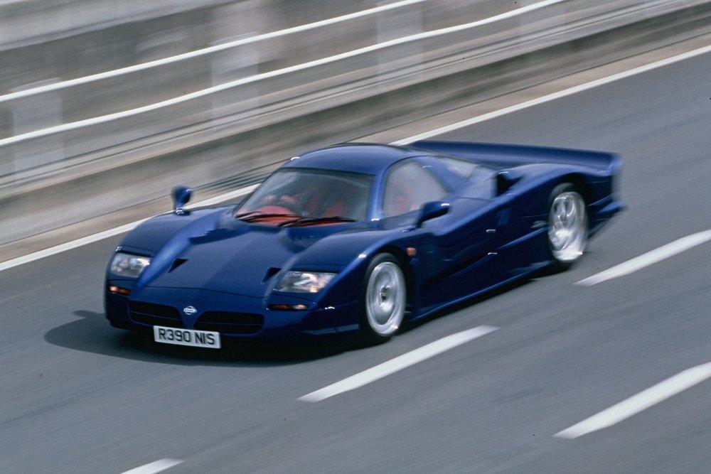 Nissan R390 GT 1 2.jpg