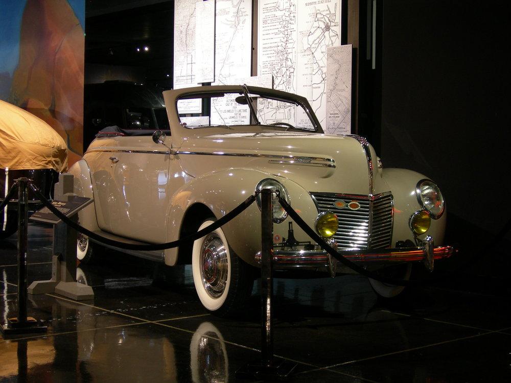mercury 1939 conv coupe.jpg
