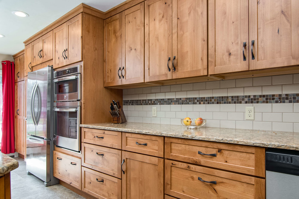 kitchen-interior-design-remodel-hickory-cabinets-traditional-madison-wisconsin-4.jpg