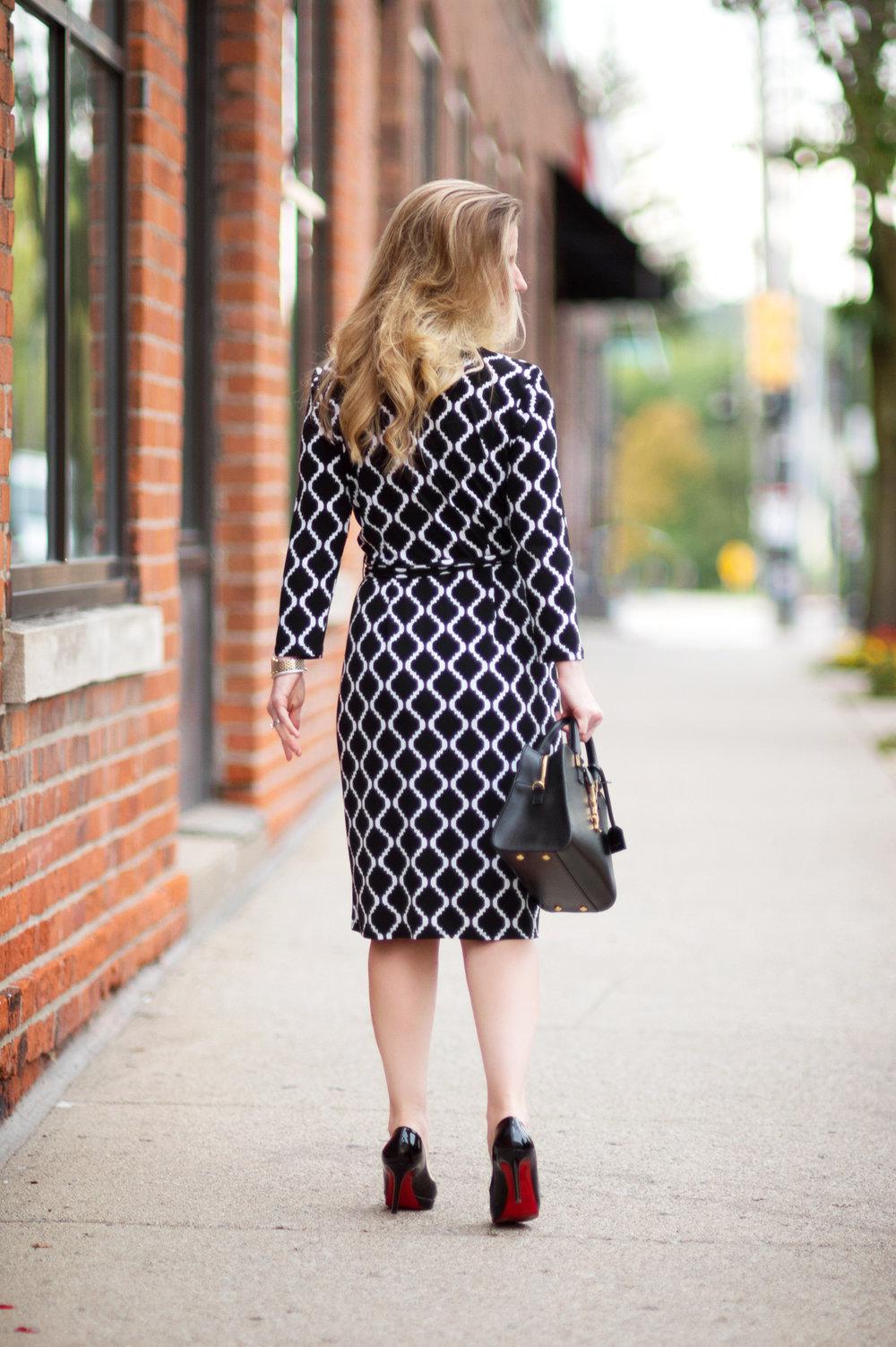 Petite-Fashion-and-Style-Blog---Maggy-London-Philomena-Dress-3.jpg