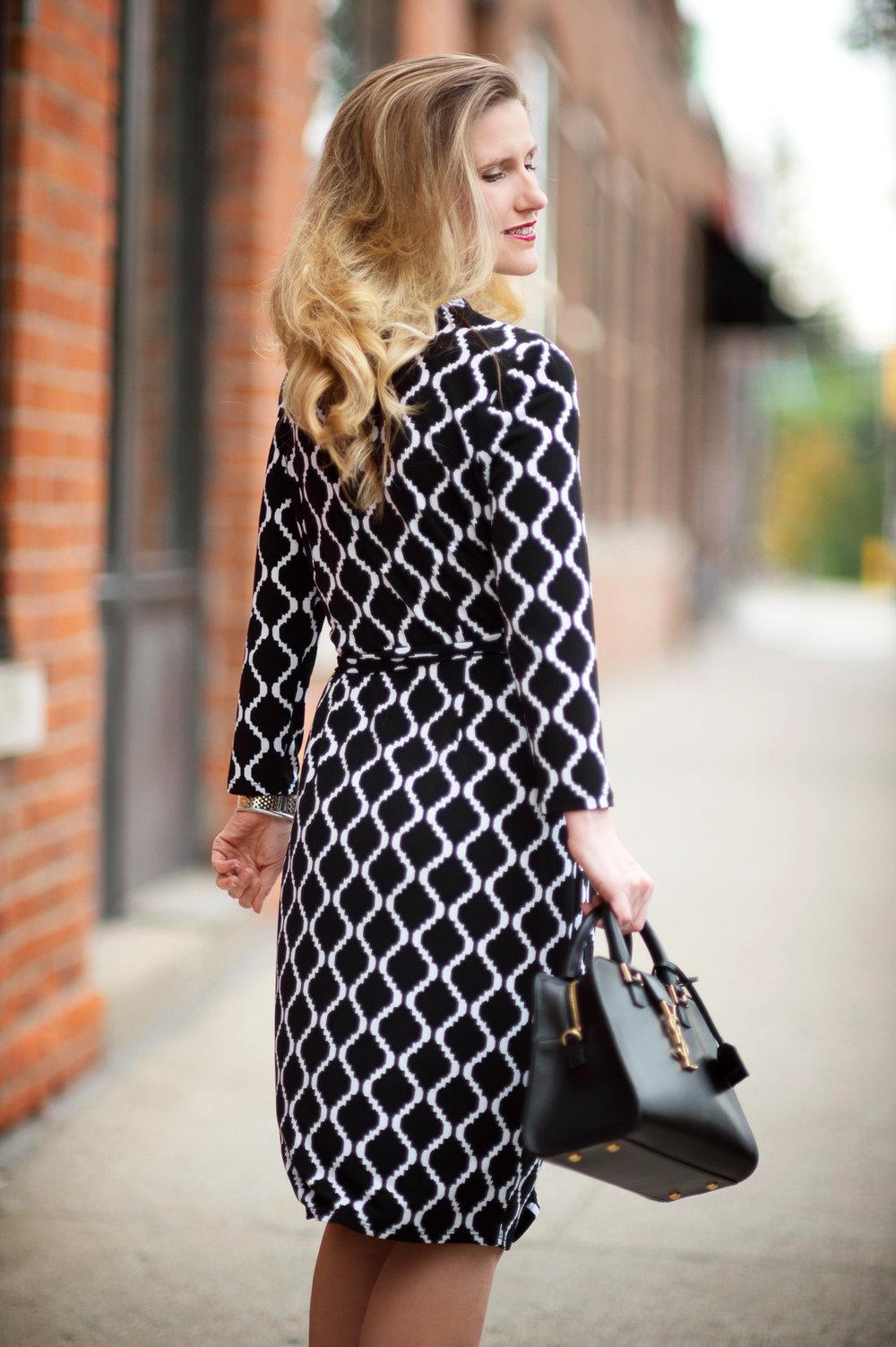 Petite-Fashion-and-Style-Blog---Maggy-London-Philomena-Dress-6.jpg