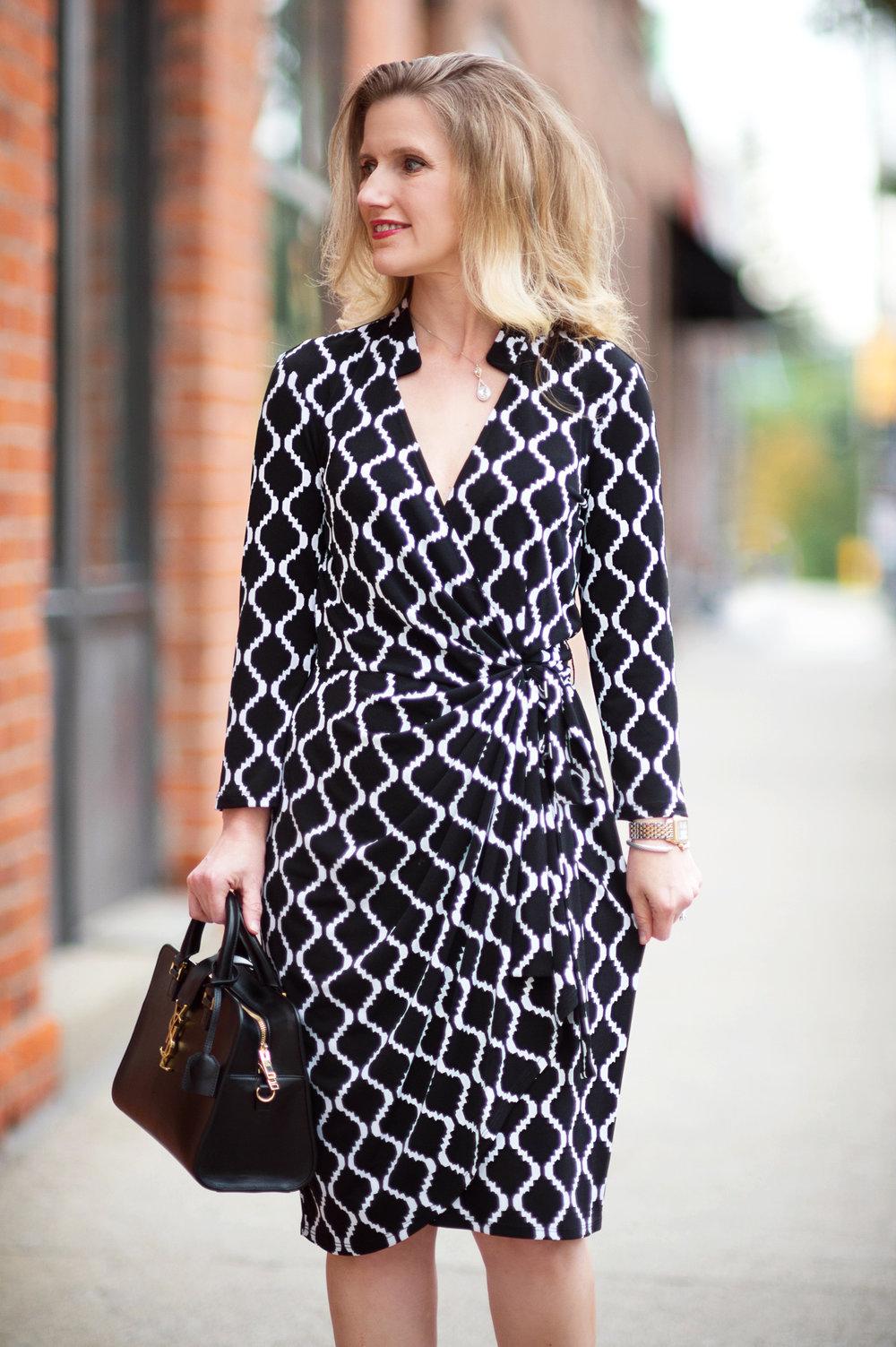 Petite-Fashion-and-Style-Blog---Maggy-London-Philomena-Dress-7.jpg