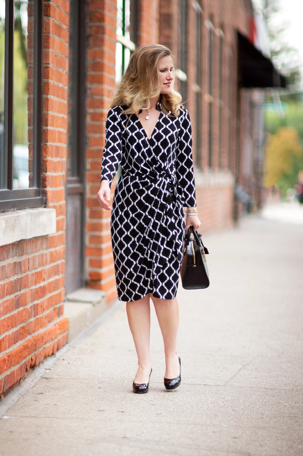 Petite-Fashion-and-Style-Blog---Maggy-London-Philomena-Dress-9.jpg