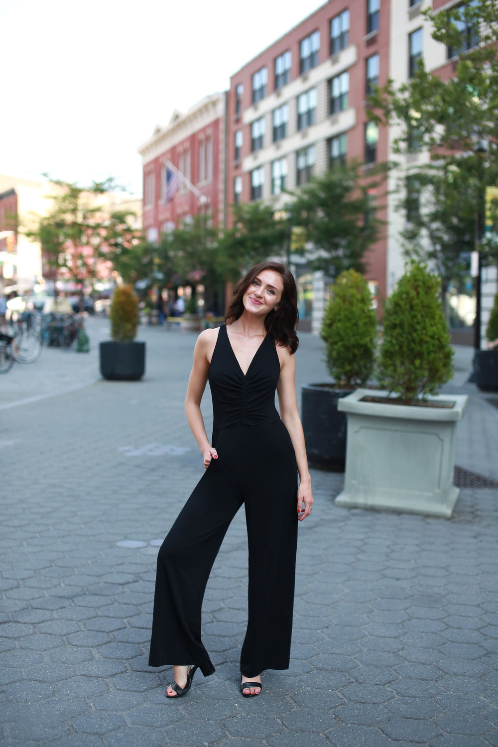 City Nights - Warm Summer nights in the city call for your best sexy-meets-comfy look. Get your NYC nighttime-glam on after a day in the sun and slip into one of our favorite LBJ's. You'll be able to lounge, dance and dine with ease thanks to the halter-style top and flowy pants.