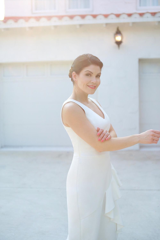 The Noreen Midi Dress - in white