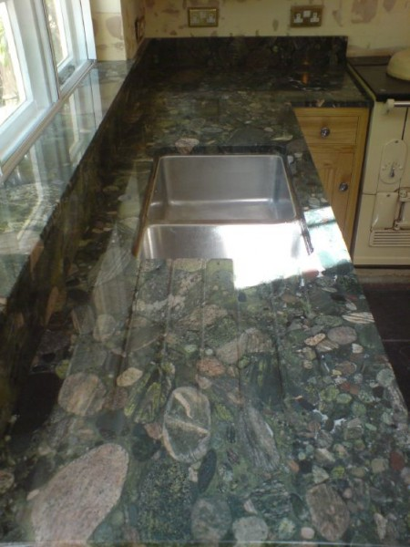 Verda-Marinace-Granite2.jpg