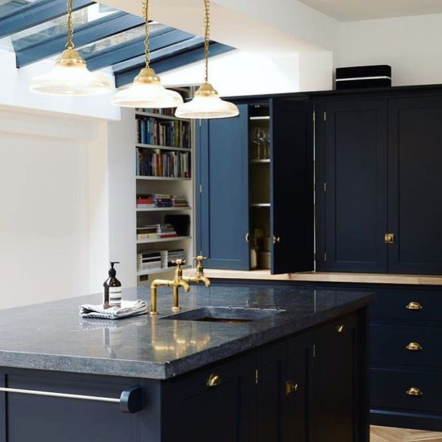 We love everything about this kitchen. The dark Baltic tones, gold handles, but the dark granite worktops just give that luxury finishing it deserves. Definitely our inspiration for the day.  #luxurykitchen #bluekitchen #granite #naturalstone #kitchendesign #luxury #luxuryhomes