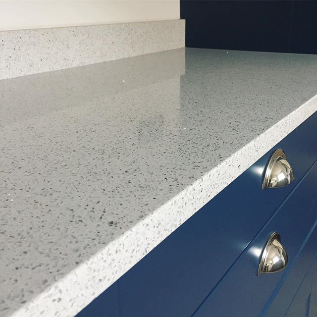 Our latest Sparkly White Quartz installation. Beautiful isn't it? 👌🏼 . . . . #quartz #quartzcountertops #sparkly #interiordesign #kitchendesign #homedecor #renovation #shaker #bluekitchen