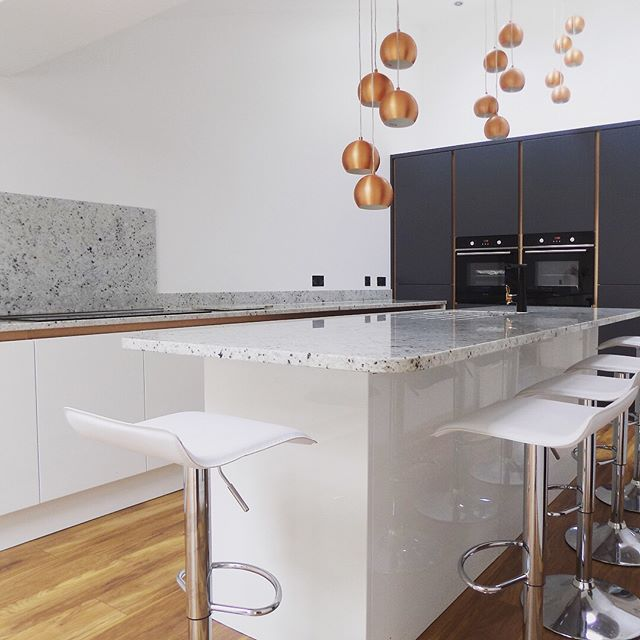 We installed this beautiful Colonial White Granite on a stunning handless two toned kitchen. The worktops really finishes it off giving a luxury feel to the room. Our customers are super happy with the results and so do we!
