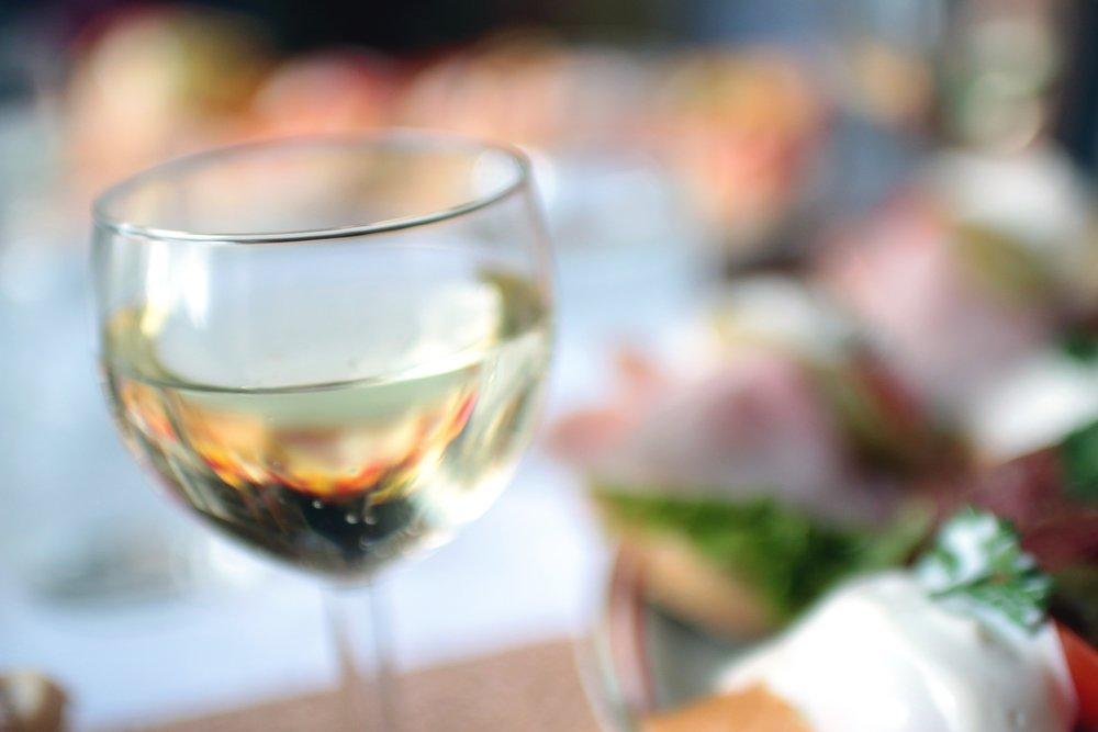 blur-drink-glass-4329.jpg