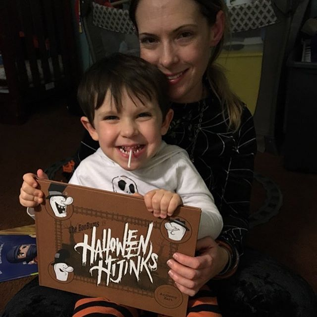 A GIANT thanks to Abbey, the @jackiestudor fam, and EVERYONE else who supported the book this October! HAPPY 🎃HALLOWEEN EVERYONE!