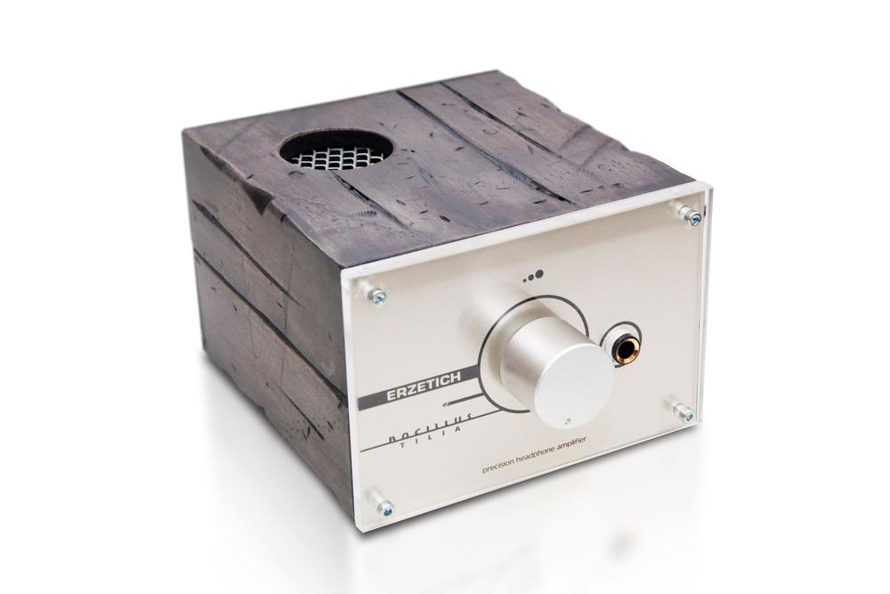 ERZETICH BACILLUS TILIA - Najlepší sluchádlový zosilňovačov pre audiofilov v tejto triede. Neprekonatelný stroj, ktorý rozhýbe aj tie najhladnejšie slúchadlá. Teplý, presný a muzikálny.