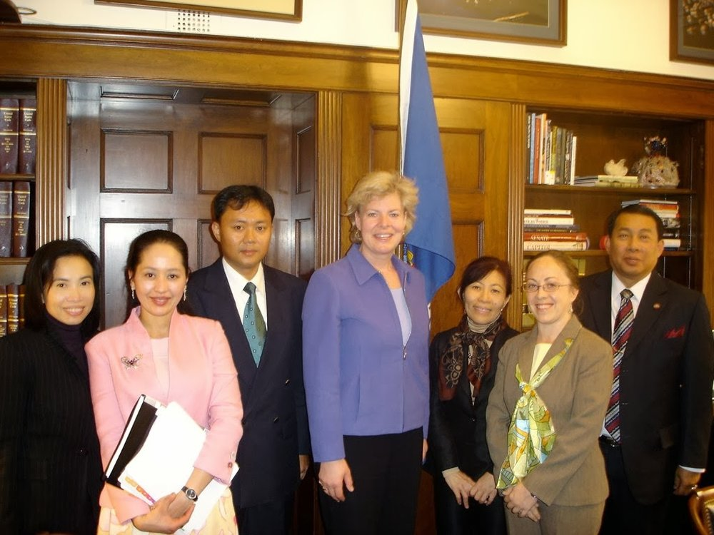 Thai Delegation meets with Tammy Baldwin on the Hill -