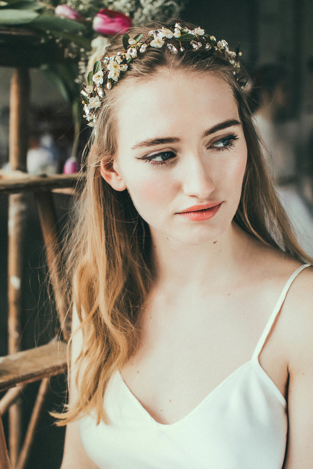 We-Are-Flowergirls_Lookbook_Flowercrown_Blumenkranz_SS17_c_Lupi-Spuma_Web_25.jpg