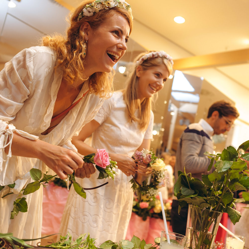 We-Are-Flowergirls_Designer-Edition_SS17_Marina-Hoermanseder_Flowercrown_MARINA_[_MG_3665].jpg