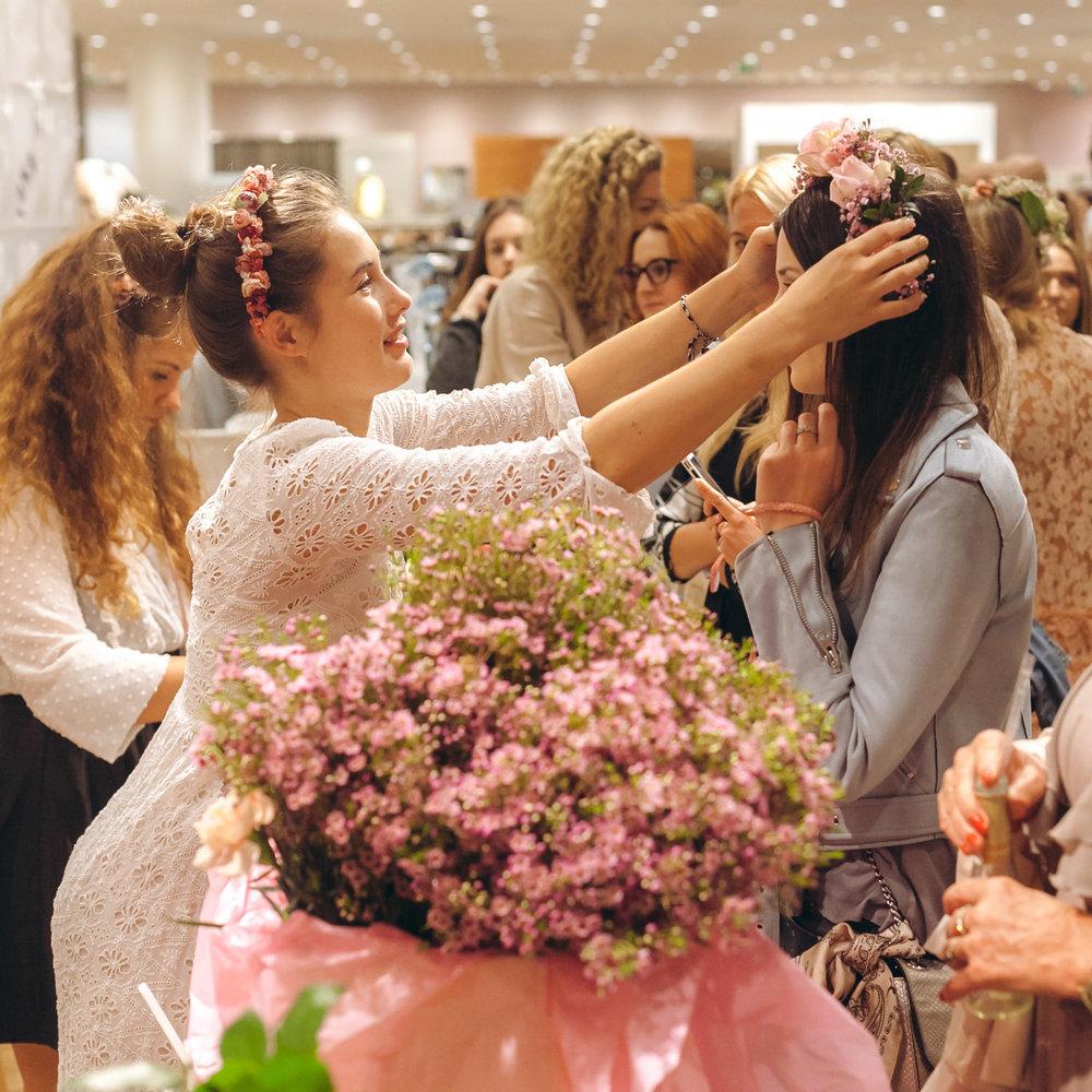 We-Are-Flowergirls_Designer-Edition_SS17_Marina-Hoermanseder_Flowercrown_MARINA_[_MG_3753].jpg