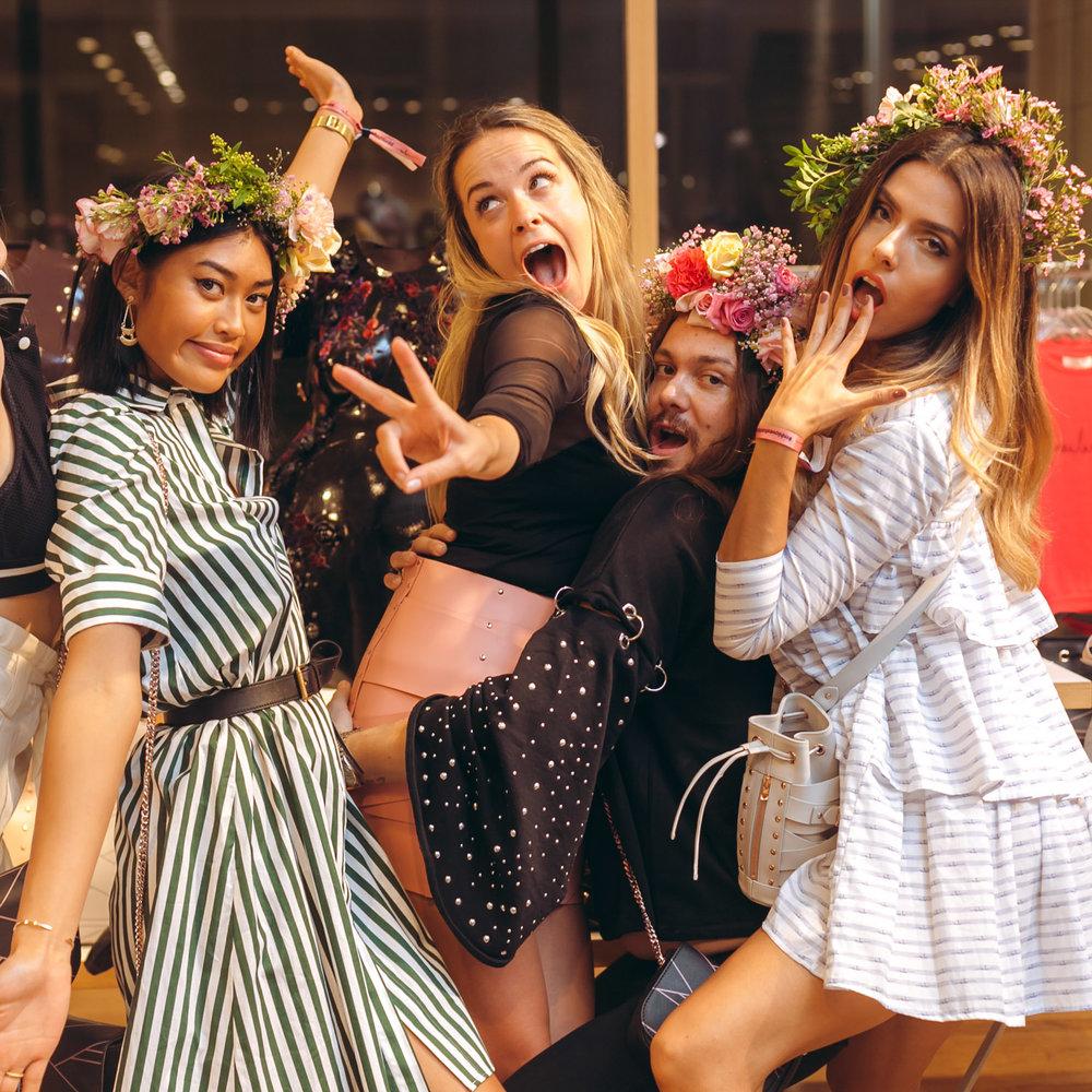 We-Are-Flowergirls_Designer-Edition_SS17_Marina-Hoermanseder_Flowercrown_MARINA_[_MG_3936].jpg