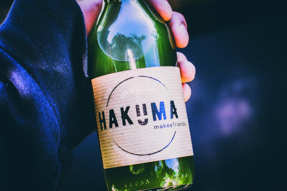 HAKUMA_Pressefotos_FlascheinHand_Fotocredits_Hakuma.jpg