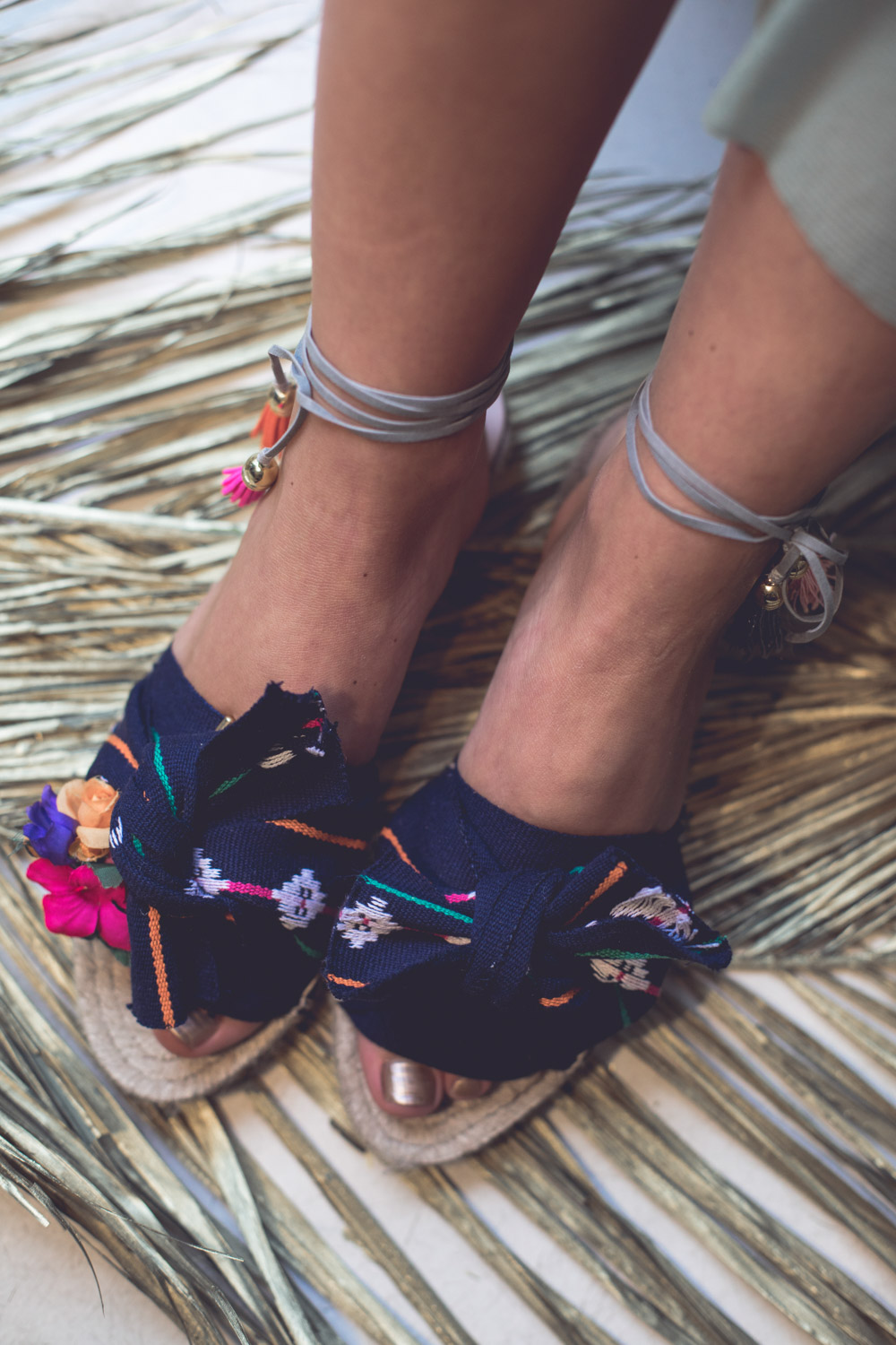 We-Are-Flowergirls_Midsummer-Shooting_Espadrilles_Marocco.jpg