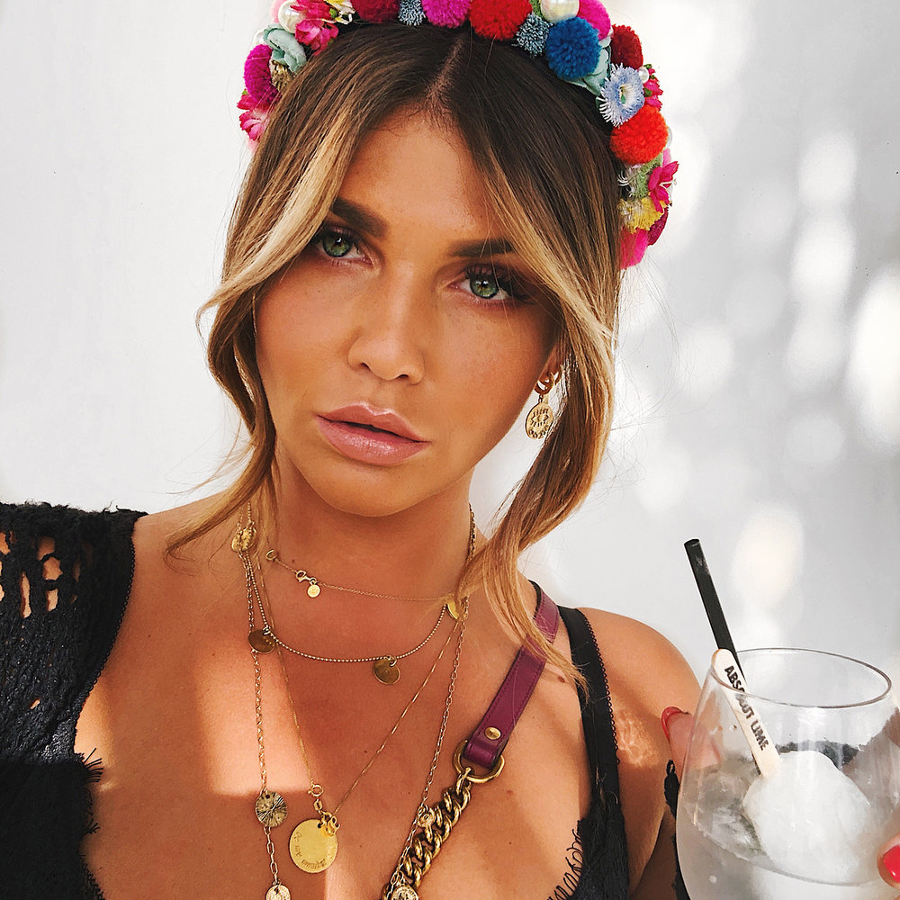 Bloggerin Farina von Novalanalove am Coachella in We Are Flowergirls ©jnovalanalove.jpg