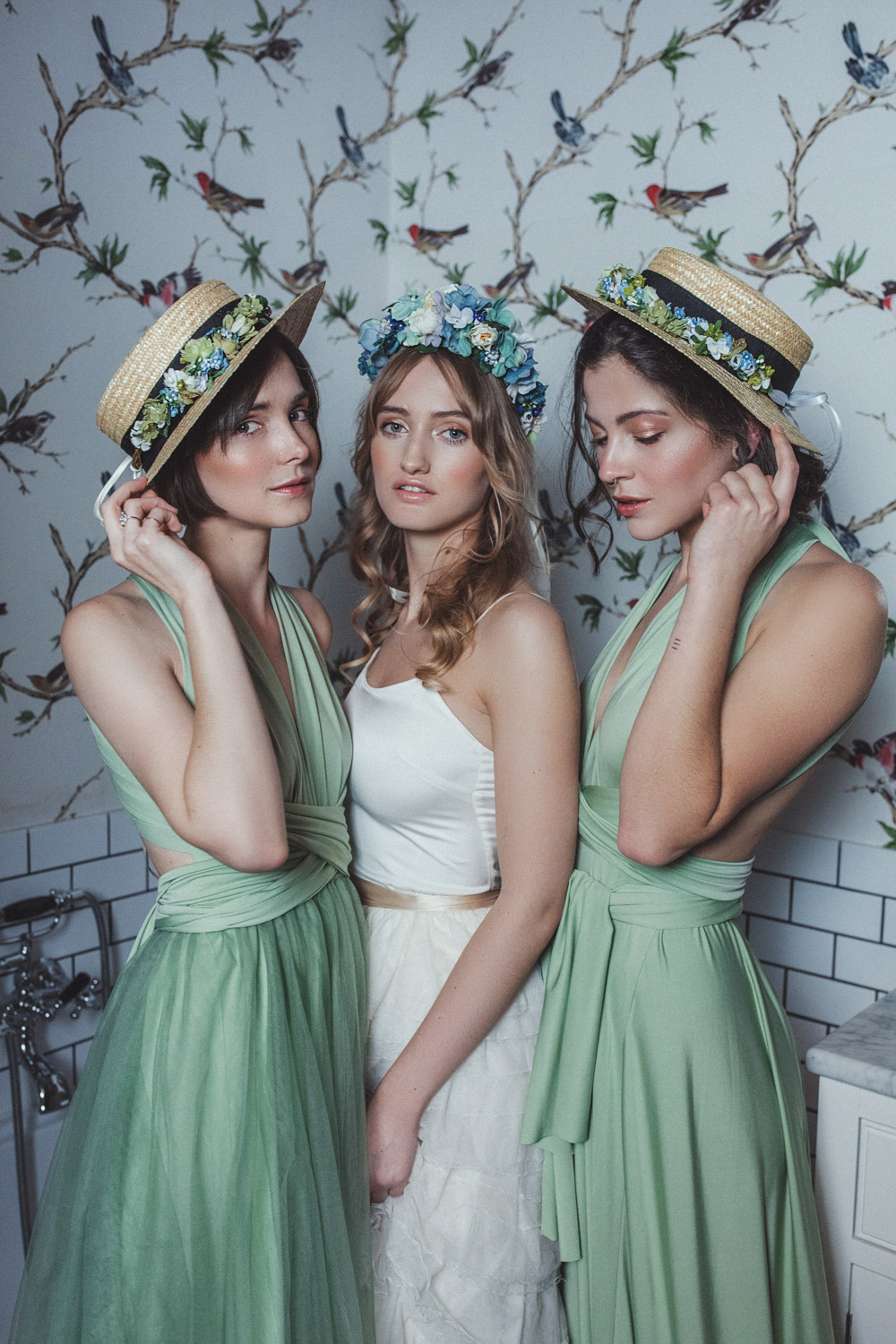 We-Are-Flowergirls-Shooting-Bilder-web-Neverland-Collection-Blumenkrank-Flowercrown-Seidenblumen-Hochzeit-Headpiece-Wedding[18].jpg