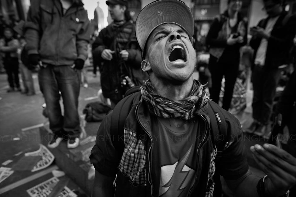 YunghiKim_2012_protest03-1.jpg