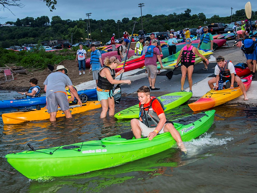 People set out from Schmidt Recreation Center on Aug. 6, 2016 for last year's Paddlefest. (Photo by Joe Simon | WCPO contributor)