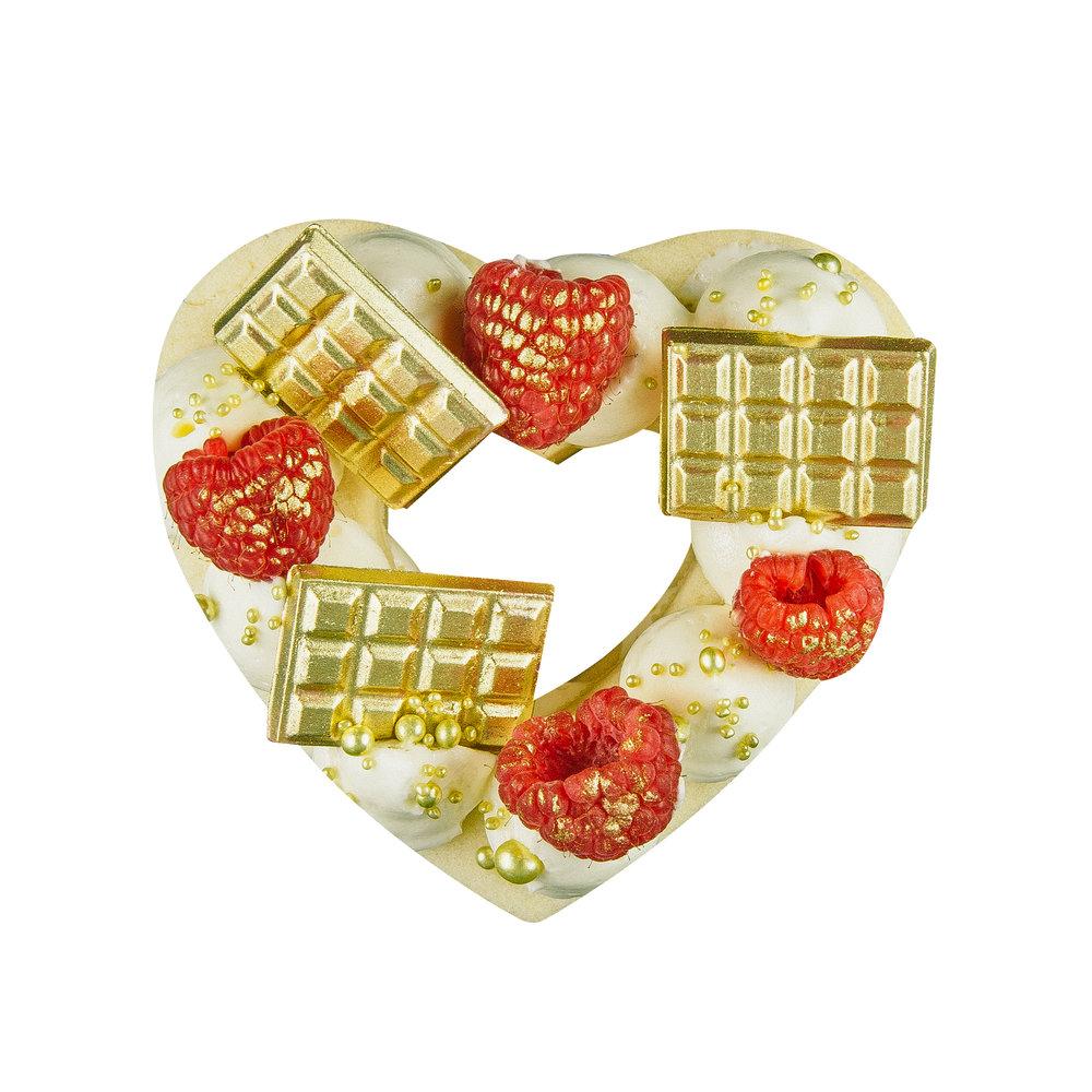 RED MINI HEART COOKIE CAKE - SERVES 1-2 PEOPLEALMOND COOKIE + CREAM CHEESE WHIP+ MINI GOLD CHOCOLATE BARS + RASPBERRIES + SPRINKLES