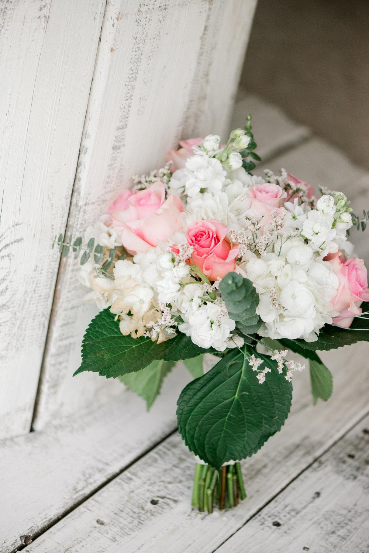 wedding photographer - flowers