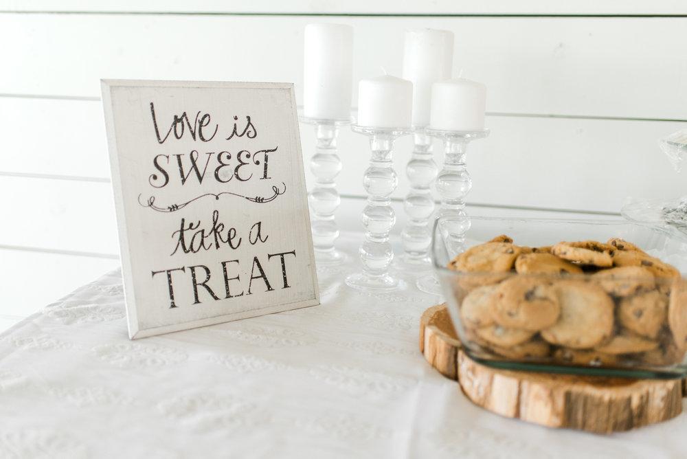 wedding sweets - wedding photographer