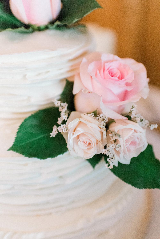 wedding cake close up - wedding photographer