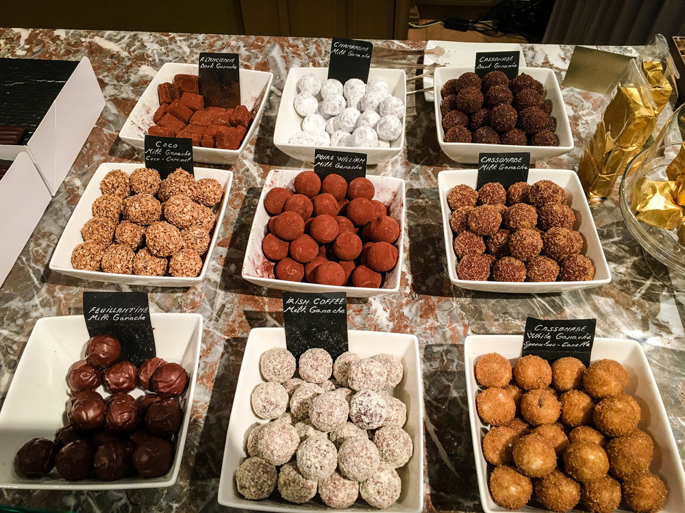 Belgian chocolate truffle tasting during our Brussels Beer and Chocolate Tour given by Brussels Journey