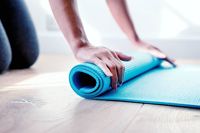 THIS SUNDAY! Roll out your mat with us for Yoga/Pilates flow with Nikki. The class will get you moving and energized for your week ahead. All levels welcome!  6:30pm at Verve!  #vervepilates #fitness #phoenix #medford #southernoregon #oregon #groupfitness #pilates #yoga #yogaflow #yogapilates