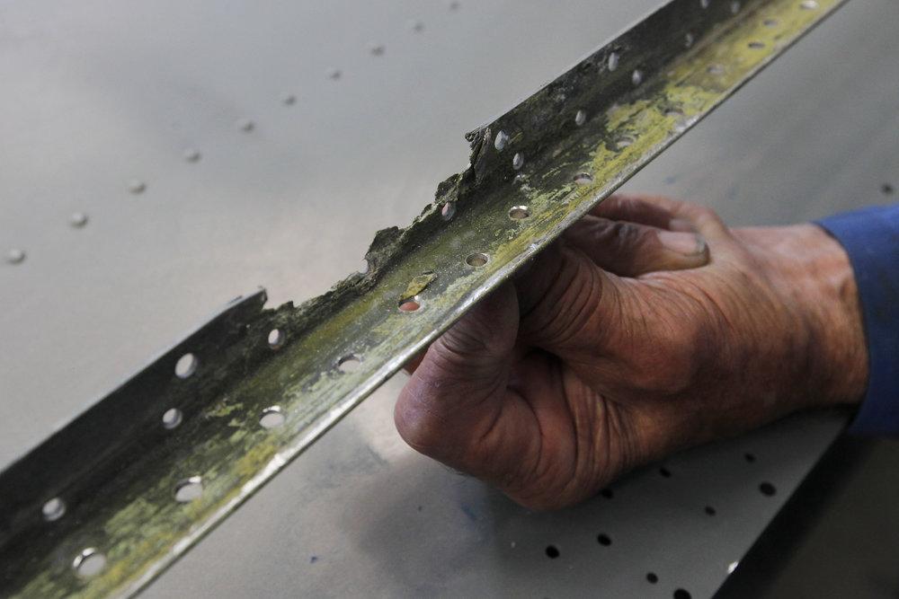 catalina 09 wing corrosion #2.jpg