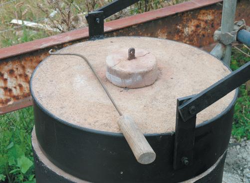 Plug for lid hole