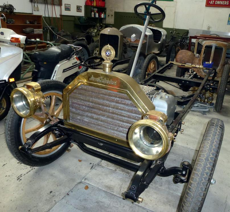 The plain style of rolling chassis early coachbuilders were faced with as the base for constructing the body.