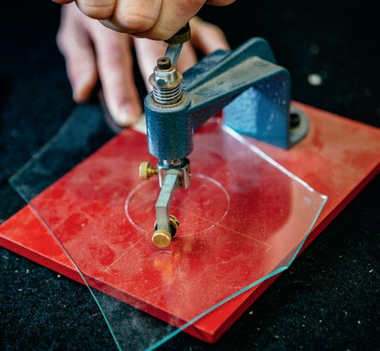Cutting a circle using the special jig