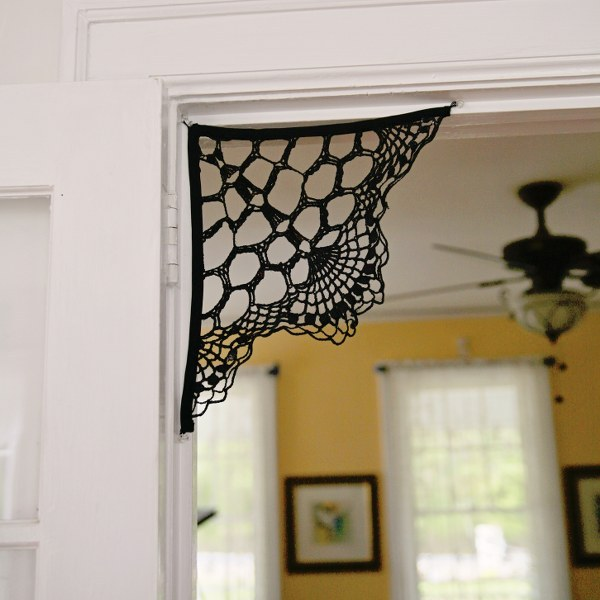 crocheted spider web decorations by my so called crafty life