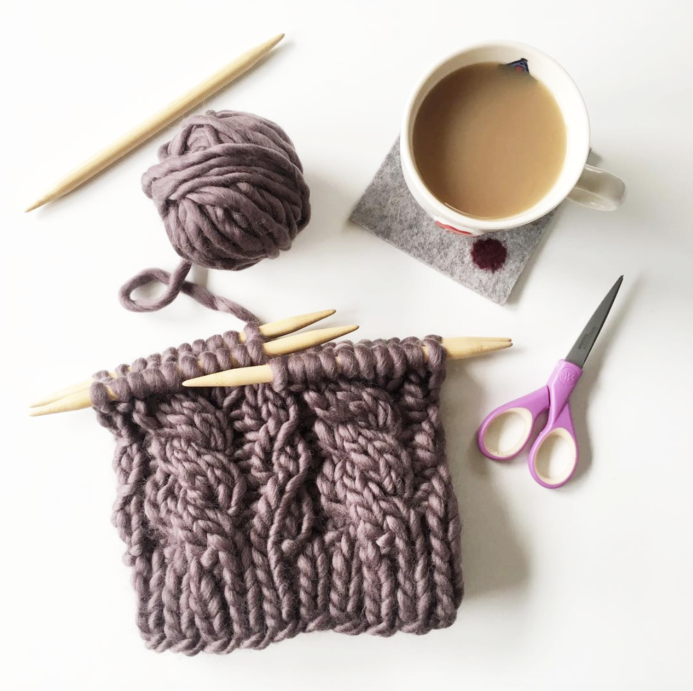 elisemade-purple-chunky-cable-knitting-winter-hat-yarn-tea-diy