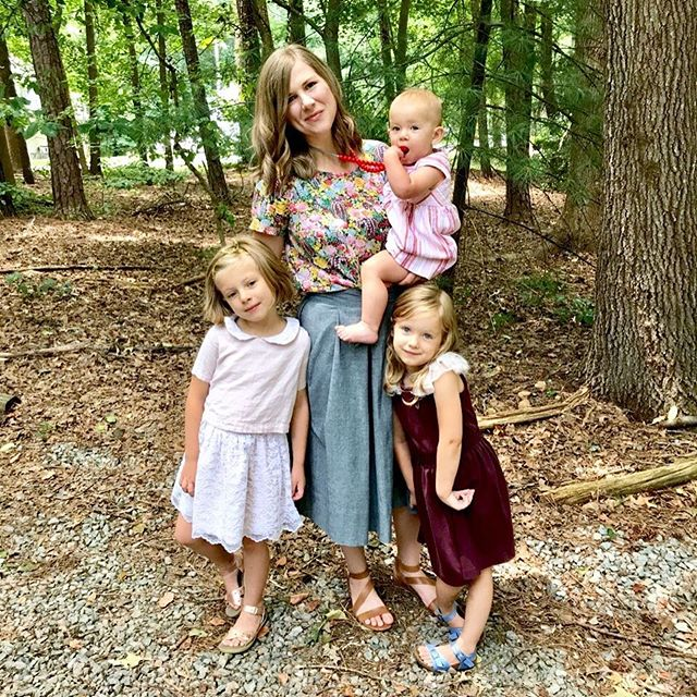 Happy sabbath, friends! I had Matt snap a photo because all us girls are wearing handmades- love when that happens! I hope your day is filled with peace and loved ones ❤️️