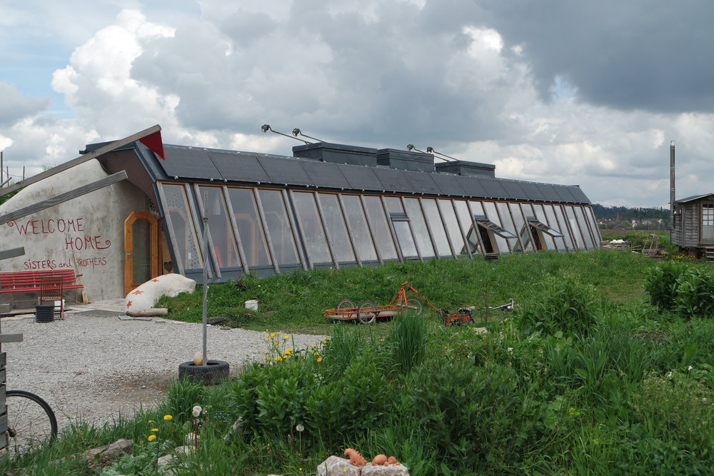 Earthship buildings are a role model for climate responsive design and building techniques.