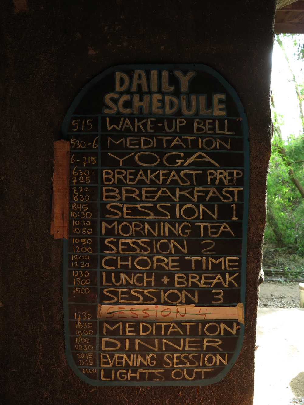 Starting the day with the sunrise: Daily schedule during course week.