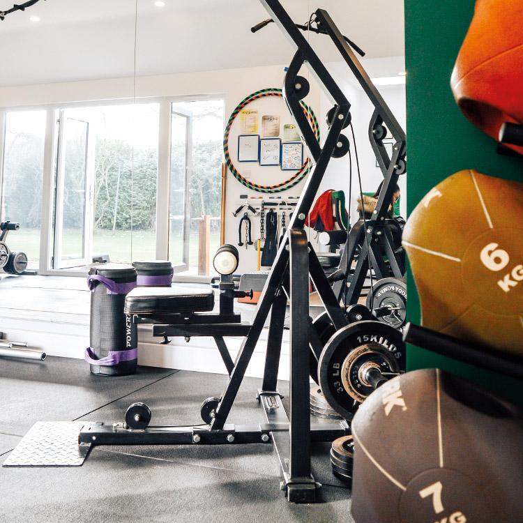 Simon-Farrar-Gym-Medicine-Balls.jpg